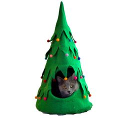 Every pet dreams of a soft, comfortable place to hide, play and sleep. Dharma dog karma cat love them because they are beautiful, but animals love them for the lanolin, which reminds them of the sce Bubble Cat, Heated Cat Bed, Dog Hammock, Cat Perch, Cat Accessories, Felt Christmas, Christmas Decor, Christmas Ornaments, Pet Beds