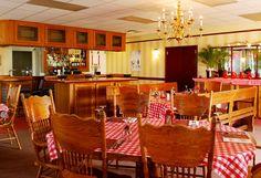 Riccardo's Interior dining room