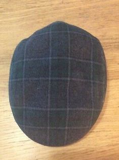 Vintage C&A Tartan Flat Cap Size 58 (L). In a tartan similar to Black Watch with a red tartan lining. Size 7 Some signs of wear but in a good condition. Tartan Tie, Man Of The House, Mixed Fiber, Scottish Tartans, Flat Cap, Hat Making, Men's Accessories, Vintage Men