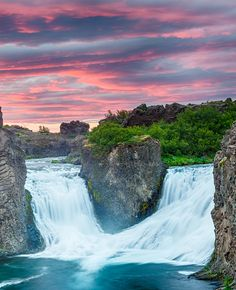 Check out 10 AMAZING Things to see in Iceland!