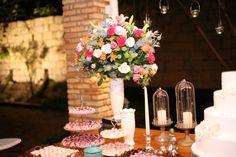 Arranjo para mesa de doces, rústico. By Soundlight Eventos - Christian Hilton e Isabelle Lopes.