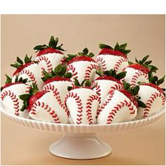 I am SO making these for Tigh! Maybe even a few with Yankees symbols on them!
