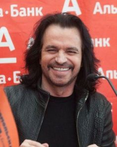 Yanni is on tour! Details of each concert on our website