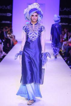 Krishna Mehta. LFW A/W 14'. Indian Couture. Casual Indian Fashion, African Fashion, Kamiz, Lakme Fashion Week, Bindi, Indian Couture, Embroidered Tunic, Shalwar Kameez, Beautiful Clothes