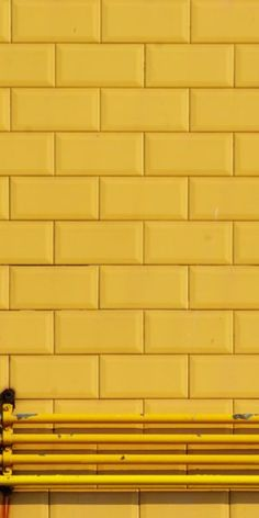 Subway tile, yellow subway tile, outside, tile, yellow tile Yellow Tile, Yellow Walls, Colour Yellow, Yellow Curtains, Mellow Yellow, Mustard Yellow, Baby Yellow, Cat Tiger, Jaune Orange