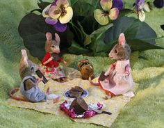 Pictures from my own private mouseland Felt Mouse, Mini Mouse, Needle Felted Animals, Felt Animals, Wet Felting, Needle Felting, Vintage Picnic, Postcard Art, House Mouse