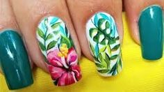Resultado de imagen para deko uñas 2019 Hawaii Nails, Beach Nails, Flower Nail Designs, Nail Art Designs, Hawaiian Flower Nails, Hibiscus Nail Art, Tina's Nails, Finger Nail Art, Stylish Nails