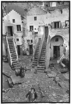 photo by Henri Cartier Bresson, in Basilicata, Pisticci, Italy. - photo by Henri Cartier Bresson, Henri Cartier Bresson, Robert Doisneau, Italia Vintage, Vintage Italy, Foto Vintage, Ansel Adams, Magnum Photos, Candid Photography, Street Photography