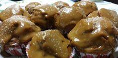 Γίνονται αφρός! Κεκάκια καραμέλας με 3 υλικά Chicken Wings, Muffin, Food And Drink, Meat, Cooking, Breakfast, Kitchen, Morning Coffee, Muffins