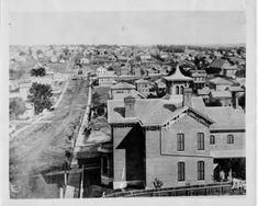 and Broadway in Kansas City, circa 1872 Kansas City Map, Kansas City Missouri, Old Pictures, Old Photos, Vintage Pictures, Independence Missouri, Missouri Valley, Old Building, Urban Life