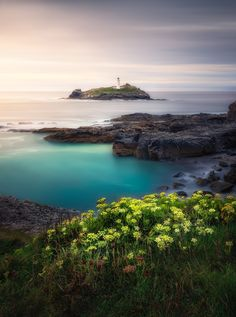 Green Island Cure For Heartburn, Treatment For Heartburn, Nature Pictures, New Pictures, Great Photos, Lighthouse Keeper, Altered Images, Flat Earth, Turquoise Water