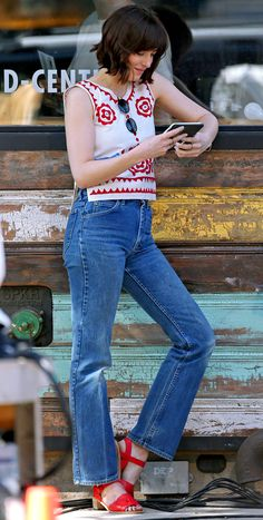 Dakota Johnson on set of How To Be Single in NY - 25 June 2015 Dakota Johnson Stil, Dakota Johnson Street Style, Dakota Style, Dakota Mayi Johnson, How To Be Single, Cowgirl Style Outfits, Her Style, Casual Looks, Celebrity Style