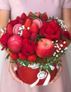 Cupcake Flower Bouquets, Flower Boquet, Food Bouquet, Edible Bouquets, Flowers, Homemade Gift Baskets, Homemade Gifts, Edible Fruit Arrangements, Floral Arrangements