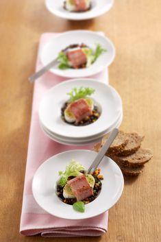Surprenez les papilles de votre famille et vos amis avec cette recette de lentilles de Beluga. Snacks, C'est Bon, Tuna, Steak, Food And Drink, Appetizers, Beef, Fish, Party