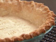 Perfectly Flaky Pie Crust Recipe : Aida Mollenkamp : Food Network I used this for my quiche crust. So easy and delicious! Quiches, Tarte Vegan, Food Network Recipes, Cooking Recipes, Cooking Tips, Perfect Pie Crust, Passover Recipes, Jewish Recipes, Passover Food