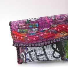 upcycled handbag from itzaChicThing - fused plastic bags #bags #sewing