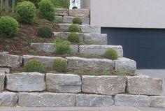 Natursteinmauer aus Muschelkalk