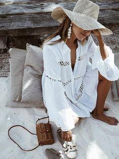 69e00ce4ba1c 41 fantastiche immagini su Outfit da spiaggia in estate