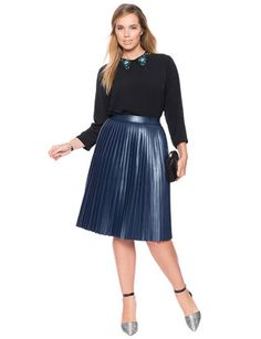 A Christmas party needs a glamorous garment. Make it work with a metallic pleated skirt in dark blue. A black chiffon top with blue collar is a sophisticated choice for parties and it makes you look like a fashionista. Pleated Skirt Outfit, Metallic Pleated Skirt, Pleated Skirts, Skater Dress, Evening Dresses Plus Size, Plus Size Skirts, Full Skirts, Curvy Outfits, Plus Size Outfits