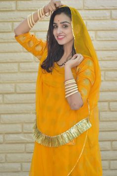 all about rajputana tradition dress Indian Dress Up, Indian Gowns Dresses, Indian Fashion Dresses, Indian Designer Outfits, Rajasthani Bride, Rajasthani Dress, Indian Bridal Outfits, Indian Bridal Fashion, Stylish Tops For Women
