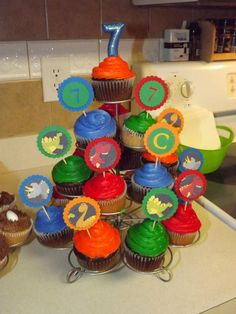 Dino Cupcakes w/ homemade picks
