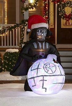 10 Must Have STAR WARS Christmas Decorations