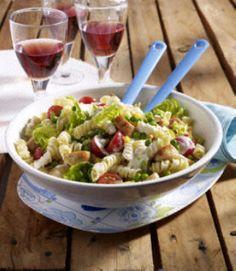 Spiralnudel-Salat mit Hähnchenwürfeln