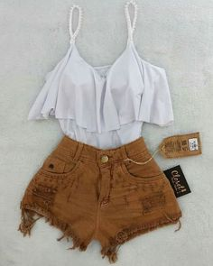 Business casual outfits for women, minimalistic fashion. Office fashion outfits Womens office clothes and office fashion trends. Lila Outfits, Teenage Outfits, Teen Fashion Outfits, Mode Outfits, Cute Summer Outfits, Cute Fashion, Outfits For Teens, Spring Outfits, Trendy Outfits
