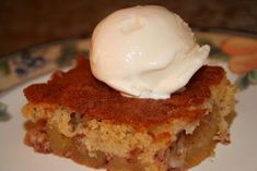 recipe by Hanan Kuba This recipe is super easy to make and the apples can be substituted with pears, peaches, or nectarines. Necterine Recipes, Apple Cobbler, Unsalted Butter, Syrian Recipes, Lemon, Peach, Dishes, Baking, Desserts