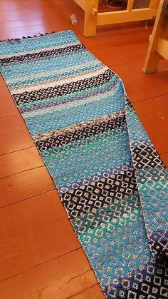 Rag Rugs, Weaving Patterns, Recycled Fabric, Woven Rug, Rug Making, Scandinavian Style, Carpets, Pattern Design, Bohemian Rug