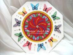 Mandala feita em MDF - meio vermelho flocado - com aplicação de miçangas e vidrilhos - borboletas pintadas a mão - aplicação de espelhos  Produto personalizado feito sob encomenda!!  Escolha cores e detalhes!!!  Criação & Execução: ALINE KLEY