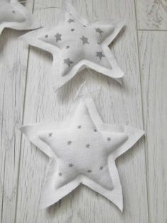 •✿• ✔️ ♡ ★☆★ •✿•⊱ Star Decorations, Christmas Decorations To Make, Holiday Crafts, Christmas Star, Xmas, Counting Stars, Love Stars, Little Star, Cute Crafts