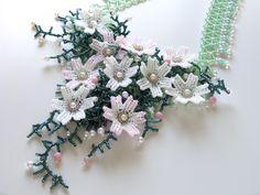 コスモス満開のお花畑ネックレス