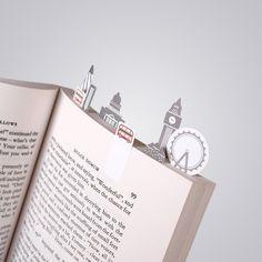 De kleine papieren boekleggers van designer Duncan Shotton.