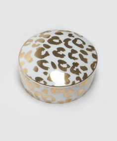 Stunning trinket box for your most treasured possessions. Decorate your vanity with a few delicate pieces like our leopard trinket box and other ceramic delights.