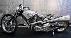 ArtyA-motorcycle-Silver-UFO_1.jpg 600 ×324 pixel