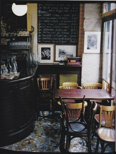 1000 things to do....number 67: have breakfast in a French bistro