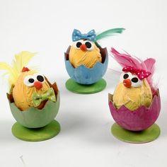 13002 Paaskuikens in eierschalen
