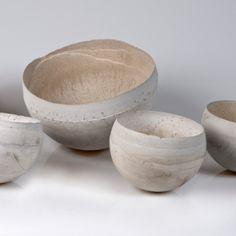 Wat een prachtige schalen. Ik wou dat ik ze zelf had gemaakt, in plaats van Anne Achenbach (bowls | 2011 | konkret)