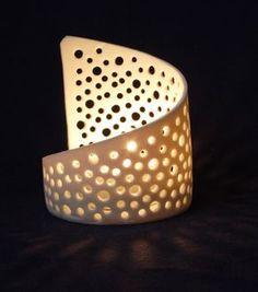 Ähnliche Artikel wie Elegante lichtdurchlässige Porzellan Gepierct Blasen Tee-Licht-Kerze-Halter auf Etsy