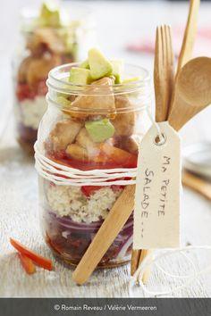 """Une quinoa poulet version """" salad in a jar """" Plats Healthy, Asian Recipes, Healthy Recipes, Sushi Bowl, Salad In A Jar, Poke Bowl, Buddha Bowl, Meal Prep, Food Prep"""