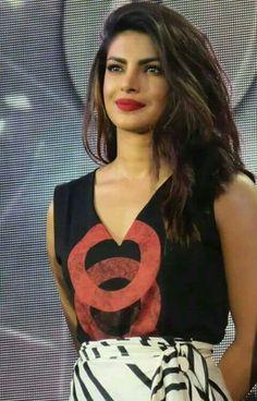 प्रियंका छोपड़ा । Priyanka Chopra । پرِینکا چوپڑا