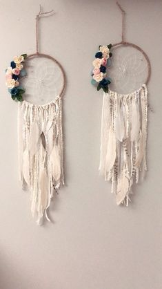 Beautiful Floral Wall Hanging Dream Catcher DIY tutorial – perfect for a nursery - Diy Excellent DIY tips are offered on our web pages. Have a look and you wont be sorry you did. Read information on home decoration tips life aClick the link to read What Dream Catcher Decor, Blue Dream Catcher, Dream Catcher Nursery, Large Dream Catcher, Classy Bedroom Decor, Diy Room Decor, Diy Bedroom, Macrame Projects, Diy Projects