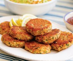 Crab, Shrimp & Salmon: Make the Best Fish and Seafood Cakes with Recipes from Seattle's Favorite Chef - FineCooking Crab Cake Recipes, Lobster Recipes, Fish Recipes, Seafood Recipes, Cooking Recipes, Vitamix Recipes, Sandwich Recipes, Salmon Recipes, Recipies