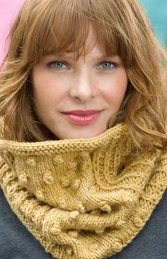 Free Knitting Pattern - Cowls and Neck Warmers: Bobbled Cowl