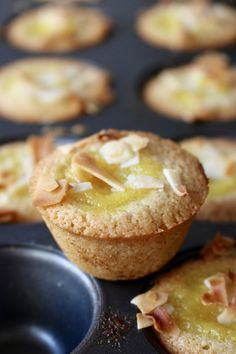 Financiers med mangocurd  kokos | Ylvas Bakverkstad Fika, Dessert Recipes, Desserts, Muffins, Food And Drink, Gluten Free, Cupcakes, Sweets, Cookies