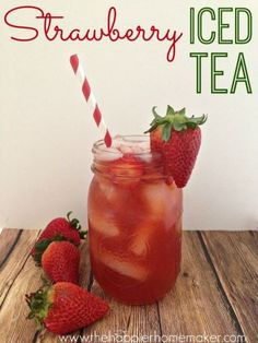 Homemade Strawberry Iced Tea This Strawberry Iced Tea combines fresh strawberries with Southern Sweet Tea for a refreshing summer drink you can prep in just 10 minutes! Non Alcoholic Drinks, Fun Drinks, Yummy Drinks, Healthy Drinks, Cocktails, Beverages, Healthy Nutrition, Cold Drinks, Healthy Eating