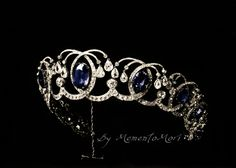 Diamond and sapphire tiara from the russian crown jewels. Stones colorized by me *0*