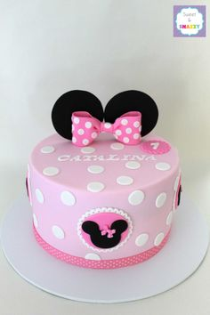 Minnie Mouse Cake by Sweet & Snazzy https://www.facebook.com/sweetandsnazzy