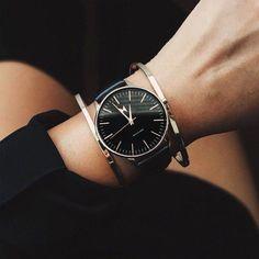 Santa Monica - MVMT Watch... black & gold